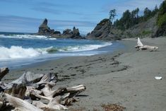 9 Off-The-Grid Destinations In Washington That Will Take You Away From It All Red Bluff, Olympic Mountains, Evergreen State, Senior Trip, Olympic Peninsula, Off The Grid, Adventure Awaits, Ocean Beach, Washington State