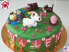 Per il suo4°compleanno la mia dolcissima Valentina mi ha chiesto di prepararle una torta con gli animali della fattoria: tanti auguri prin...