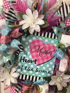 Spring Front Door Wreaths, Christmas Mesh Wreaths, Deco Mesh Wreaths, Spring Wreaths, Mothers Day Decor, Mothers Day Wreath, Fall Deco Mesh, Pink Wreath, Wreath Forms