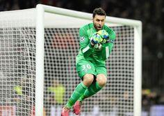 Salvatore Sirigu -  PSG #ParisSaintGermain #PSG Italy #Italia #ItalyNT #Azzurri #epicsave #Goalkeeper #Goalie #Football #Soccer