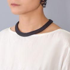 Herringbone Necklace, Chokers, Prints, How To Wear, Jewelry, Fashion, Jewlery, Moda, Jewels