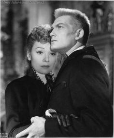 Jean Marais et Edwige Feuillère dans L'Aigle à deux têtes.
