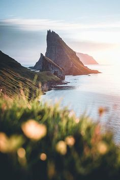 landscape photo uses a deep depth of field that is the foreground . - Fotografie -This landscape photo uses a deep depth of field that is the foreground . - Fotografie - montain Mindfulness & Self-compassion : Photo Алексей Голубев ( Landscape Photography Tips, Landscape Photos, Abstract Landscape, Landscape Paintings, Nature Photography, Travel Photography, Acrylic Paintings, Photography Tricks, Digital Photography