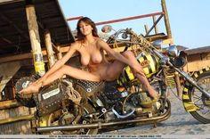 naked girls on motor bikes: 14 тыс изображений найдено в Яндекс.Картинках