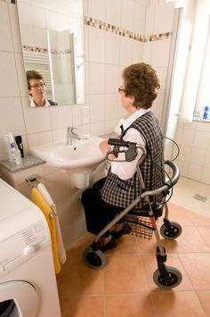 [ HANDICAP ] :: Disability, Therapy & Technology Barrierefreies Bad | Badgalerie