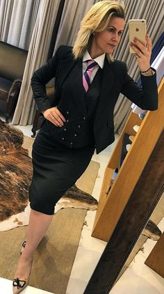 Women S Fashion Queen Street Mall Info: 4724876253 Classy Work Outfits, Pretty Outfits, Stylish Outfits, Fashion Outfits, Older Women Fashion, Office Fashion Women, Tie Skirt, Skirt Suit, Women Ties