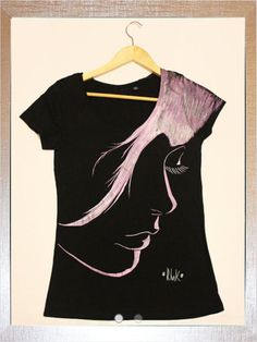 Fabric Paint Shirt, Paint Shirts, T Shirt Painting, Fabric Painting, Hand Painted Dress, Painted Clothes, Fabric Paint Designs, Love T Shirt, Diy Shirt