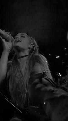 Ariana Grande, Sweetener World Tour 2019 Ariana Grande Fotos, Ariana Grande Pictures, Ariana Grande Background, Ariana Grande Wallpaper, Francisco Lachowski, American Music Awards, Celebrity Wallpapers, Celebrity Photos, Celebrity Guys