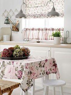 Um blog sobre coisas lindas e bem mulherzinha. Farmhouse Kitchen Decor, Farmhouse Design, Country Kitchen, Happy Kitchen, Country Life, Shabby Chic Cottage, Cottage Style, Country House Interior, French Country Style