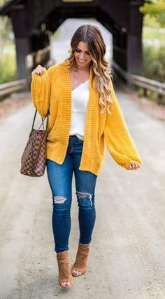 150 Fall Outfits to Shop Now Vol. 4 / 005 2018 150 Fall Outfits to Shop Now Vol. Fall Outfits 2018, Fall Fashion Outfits, Fashion Night, Fall Fashion Trends, Autumn Fashion, Womens Fashion, Ladies Fashion, Mens Fall Outfits, Fashion Shirts