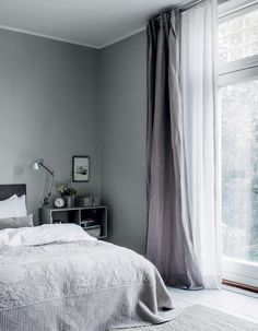 Photographed by Chris Tonnesen for Elle Decoration Denmark Danish interior stylist Cille Grut& home is a mix of different shades of gray and beige colours also known as Danish Interior, Home Interior, Interior Design, Interior Stylist, Gray Interior, Interior Colors, Apartment Interior, Modern Interior, Home Bedroom
