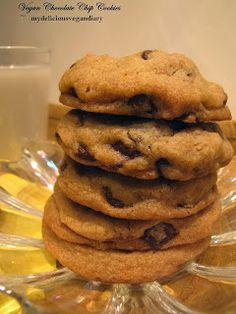 My Delicious Vegan Diary: Vegan Chocolate Chip Cookies. Not so healthy bit it's vegan Vegan Treats, Vegan Foods, Vegan Dishes, Vegan Desserts, Delicious Desserts, Vegan Recipes, Dessert Recipes, Vegan Snacks, Vegan Chocolate Chip Cookies