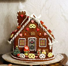 Holidays Big and Small: Gingerbread House Day ~ A Fun Holiday
