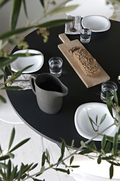 Simple lunch table setting - Stylizimo | Discovered by Creative Middle