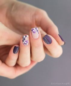 Looking for some elegant negative space nail art designs and ideas? If you want to find a new look in this season, then try some negative space nails. Negative space refers to the area around the object, which is the focus of a particular image. Cute Spring Nails, Spring Nail Colors, Nail Designs Spring, Nail Art Designs, Moyou Stamping, Stamping Nail Art, Bright Red Nails, Purple Nails, Negative Space Nails