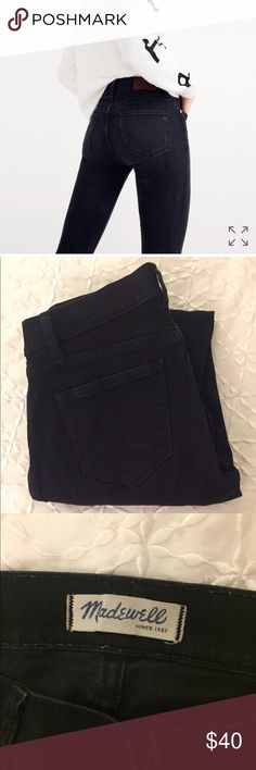 Like New Madewell Skinny Hi Rise Jeans 8in high rise skinny jeans in a black wash denim. Excellent condition, worn less than 5 times! No embroidery or designs, just pure black denim jeans. Style # B1799. Madewell Jeans Skinny