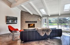 Eclectic Ranch House by M.A.P. Interiors / Sylvia Beez