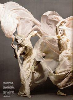 Mode fotografie Sølve Sundsbø (Représentation d'une élégie, l'art dani par excellence... #Fiha01 | La Treizième Concubine, Éds Greenquill)