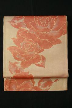 Grayed sakura color fukuro obi (Rokutsu), Retro rose and flower pattern / 灰桜色地 ちょっぴりレトロな薔薇の花柄 六通袋帯 #Kimono #Japan http://www.rakuten.co.jp/aiyama/