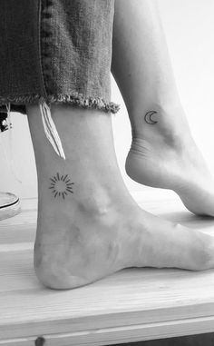 62 Beautiful Ankle Tattoos You May Love to Try! – Page 57 of 62 – LoveIn Home 62 Beautiful Ankle Tattoos You May Love to Try! 62 Beautiful Ankle Tattoos You May Love to Try! – Page 57 of 62 – LoveIn Home Bff Tattoos, Couple Tattoos, Mini Tattoos, Body Art Tattoos, Small Tattoos, Tatoos, Tiny Sun Tattoo, Simple Sun Tattoo, Ankle Tattoo Small