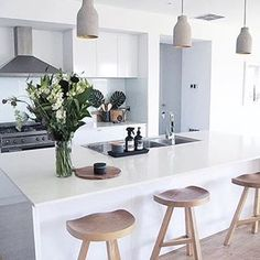 Immy and Indi is is an Australian homewares store dedicated to sourcing the best Scandinavian style homewares to decorate your home. Home Decor Kitchen, Kitchen Interior, Interior Design Living Room, Home Kitchens, Kitchen Dining, Modernisme, Decorating Your Home, Sweet Home, Layout
