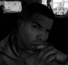 Drake No Beard 2016 Plus His Top 10 Facial Hair Moments    Drake No Beard 2016  Drake No Beard 2016  Drakecut his beard and fans weren't happy about it. This post will discuss the rapper's recent appearance on SNL and present some of the rapper's best beard moments.  Drake No Beard 2016  He took it way back to clean-face Comeback Season mode:  Comeback Season  The award-winning rapper visited Jimmy Fallon where the two enjoyed a game of Faceketball:  Time reports that Aubrey Graham got rid…
