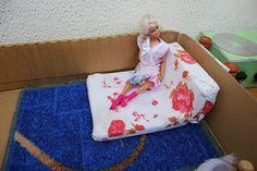 мебель для барби Barbie, Blanket, Usa, Blankets, Cover, Comforters, Barbie Dolls, U.s. States