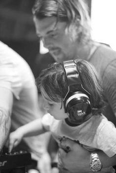 Pass It Down , Axwell from SHM Swedish house mafia Swedish House Mafia, Edm Music, Dance Music, Music Like, Kinds Of Music, House Music, Music Is Life, Alesso, Light Music