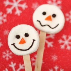 These marshmallow snowmen really can't be any easier to make!