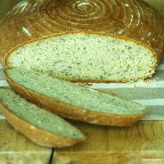 Pane di Kamut e semi di chia.  Per la ricetta: http://blog.giallozafferano.it/passionecooking/pane-di-kamut-e-semi-di-chia/