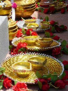 Traditional golden glitter chabayellow hennaparty chaba churiya mehndi decoration ideas junglespirit Images