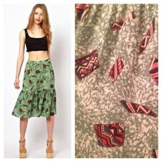 Viva Vena by Vena Cava tribal tiered skirt size 4 Super cute Viva Vena by Vena Cava skirt size 4. Green mind reader two tier midi skirt in tribal oblique print, 100% cotton fitted waist, 2tieref gathered hem and hidden size zipper. Vena Cava Skirts
