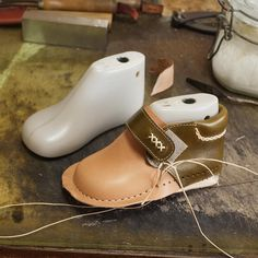Baby Girl Diy Shoes Inspiration 66 Ideas For 2019 Baby Boy Shoes, Baby Boots, Leather Baby Shoes, Leather Sandals, Felt Shoes, Barefoot Shoes, Shoe Pattern, How To Make Shoes, Childrens Shoes