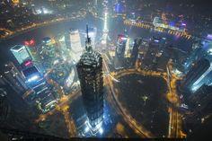 Shanghai #encontros #rain #metropolis #light #night #rainy #days #people #photography