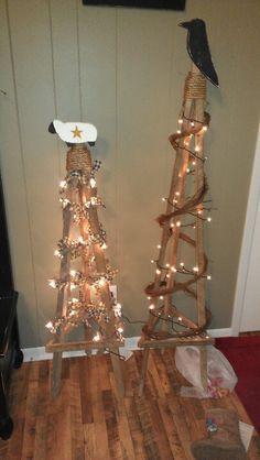 The best Tobacco sticks ideas Primitive Crafts, Primitive Christmas, Rustic Christmas, Primitive Decorations, Country Primitive, Christmas Projects, Holiday Crafts, Holiday Decor, Stick Christmas Tree