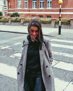 Liza Soberano winter look // Filipino Fashion Liza Soberano Fashion, Liza Soberano Wallpaper, Liza Soberano Instagram, Lisa Soberano, Filipino Fashion, Kpop Mode, Filipina Actress, Kpop Fashion Outfits, Winter Looks