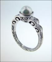 Ring Designs by Tom Mathis: Ring with Pearl Center Stone and Diamond Accent Stones. [MR137]