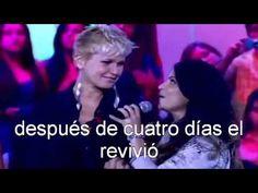 Aline Barros Canta y Dios Impacta a Xuxa - canción Resucitame - traduccion español - YouTube
