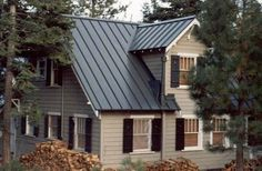 7 Centered Tricks: Shed Roofing Spaces wooden roofing patio. Black Metal Roof, Metal Roof Colors, Facade House, House Roof, Metal Roof Houses, House With Metal Roof, Standing Seam Roof, Tan House, House Shutters