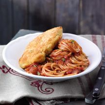 Parmesanschnitzel mit Spaghetti