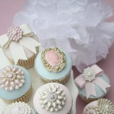 Cupcakes by Cotton and Crumbs (UK).  brooch moulds and bow mould @ lollodoo