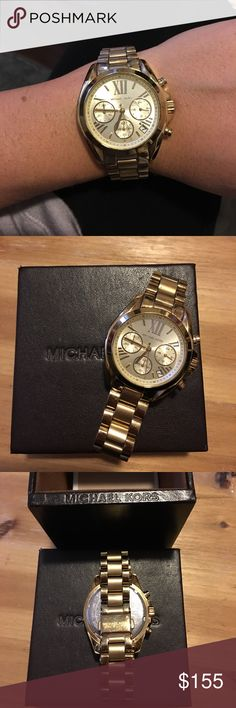 MICHAEL KORS gold watch! BEAUTIFUL gold Michael Kors watch! In excellent condition, only worn for a shot period of time on special occasions. Comes with original box, extra links and original tag (watch cost $250). Watch will need a new battery which costs under $10. Michael Kors Accessories Watches #relojmichaelkorsmujer #relojmichaelkors #relojesmichaelkors #reloj #michaelkors #relojes #relojesespana #espana