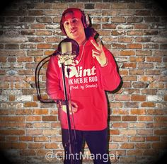 06-04-14 CLINT - Ik Heb Je Rug (Prod By Smoke): Na zijn #Mixtape #WondenGenezen komt #CLINT weer met een #Nieuwe #Track genaamd: (Ik Heb Je Rug). De Track is geproduceerd door (Bosschenaar) Producer #Smoke: #CLINT laat weten druk bezig te zijn met zijn #EP #OpEigenBenen Follow #CLINT op Twitter: @Clint Mangal LAAT EEN COMMENT ACHTER EN SHARE!!! Peace Ya Boy CLINT