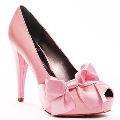 Pink heels with bow. It oh, have I pinned this already? ;) Yes, but not with this great link attached!