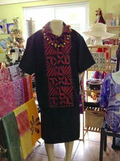 Island Style Clothing, Tribal Shirt, Island Wear, Island Shirts, Runway Fashion, Fashion Outfits, Pattern Ideas, Traditional Dresses, Sumo