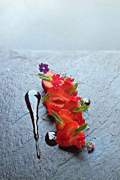 fresh strawberry by uwe spätlich, via Flickr #plating #presentation