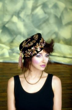 Untitled — Kate Bush by Guido Harari Turbans, Shirley Manson, Wall Of Sound, 20th Century Fashion, Famous Photographers, Female Singers, Art Music, Music Artwork, Record Producer