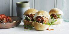 Italianen weten wel hoe een broodje bal hoort te smaken. Hier een recept voor een broodje met Italiaanse gehaktballen.