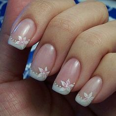 The best New nails art design big collection for summer Photos for girls. Colorful nails pictures with steps you can made easy. How to nail art designs, art nail designs, design nail polish, manicure french. French Tip Nail Designs, Flower Nail Designs, White Nail Designs, Simple Nail Art Designs, French Tip Nails, Flower Nail Art, French Tips, French Manicure With Design, Nail French