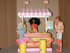 Barbie Hot Dog Stand. This was one of my favorites. Pretty certain that is California Dreamin' Barbie and Ken, too.